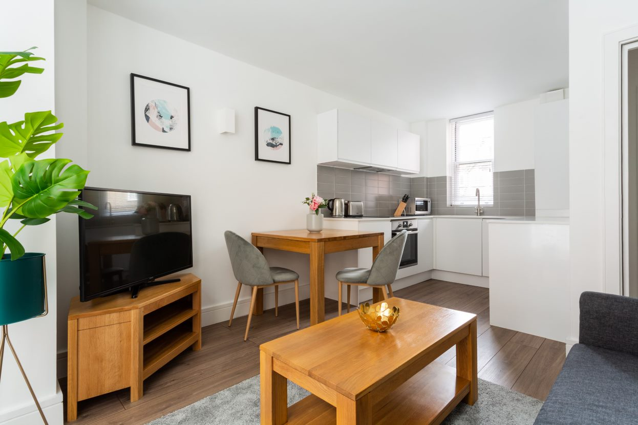 TV at Flying Butler Bloomburg Street Apartments, Pimlico, London - Citybase Apartments