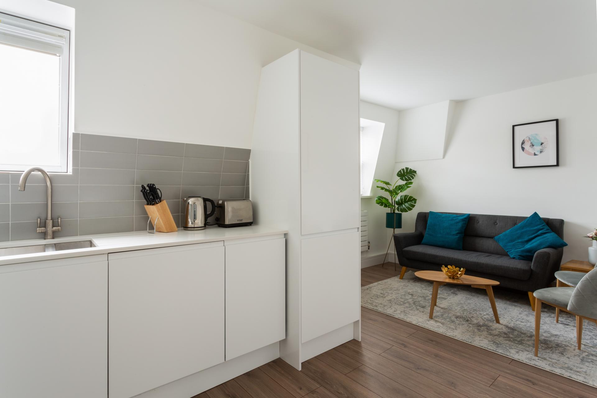 Open plan living area at Flying Butler Bloomburg Street Apartments, Pimlico, London - Citybase Apartments