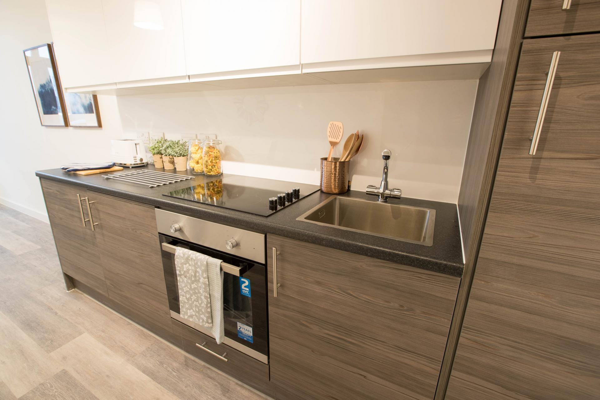 Kitchen at Parker Street Apartments - Citybase Apartments