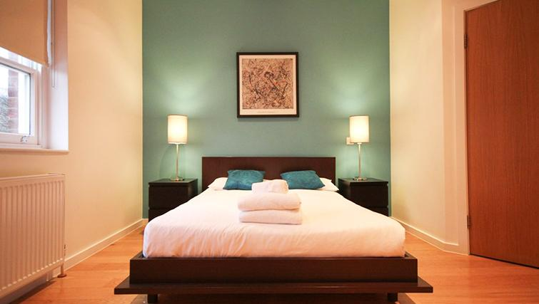 Beautiful bedroom at St James House - Citybase Apartments