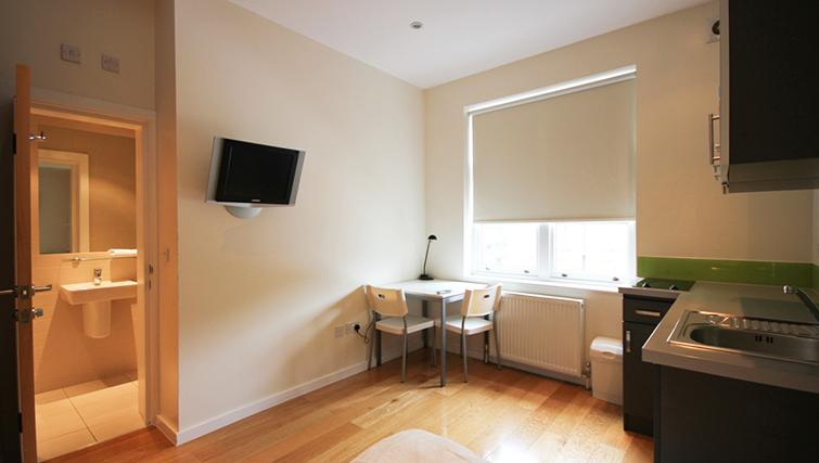 Dining area at St James House - Citybase Apartments