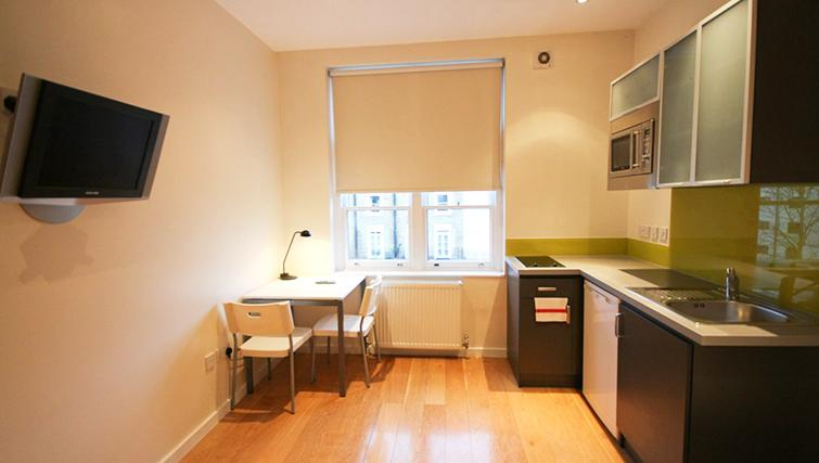 Equipped kitchen at St James House - Citybase Apartments