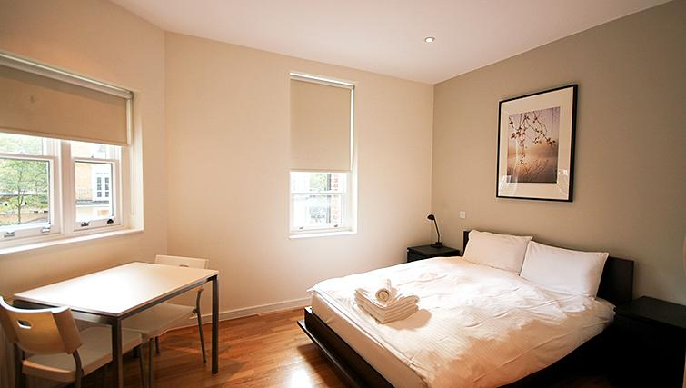 Large bedroom at St James House - Citybase Apartments
