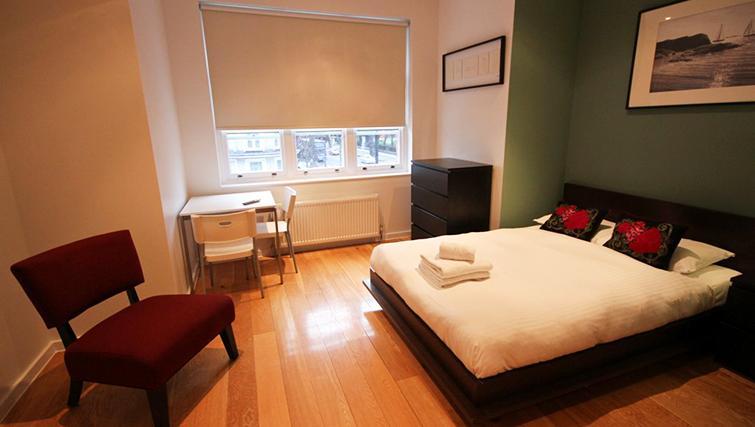 Cosy bedroom at St James House - Citybase Apartments
