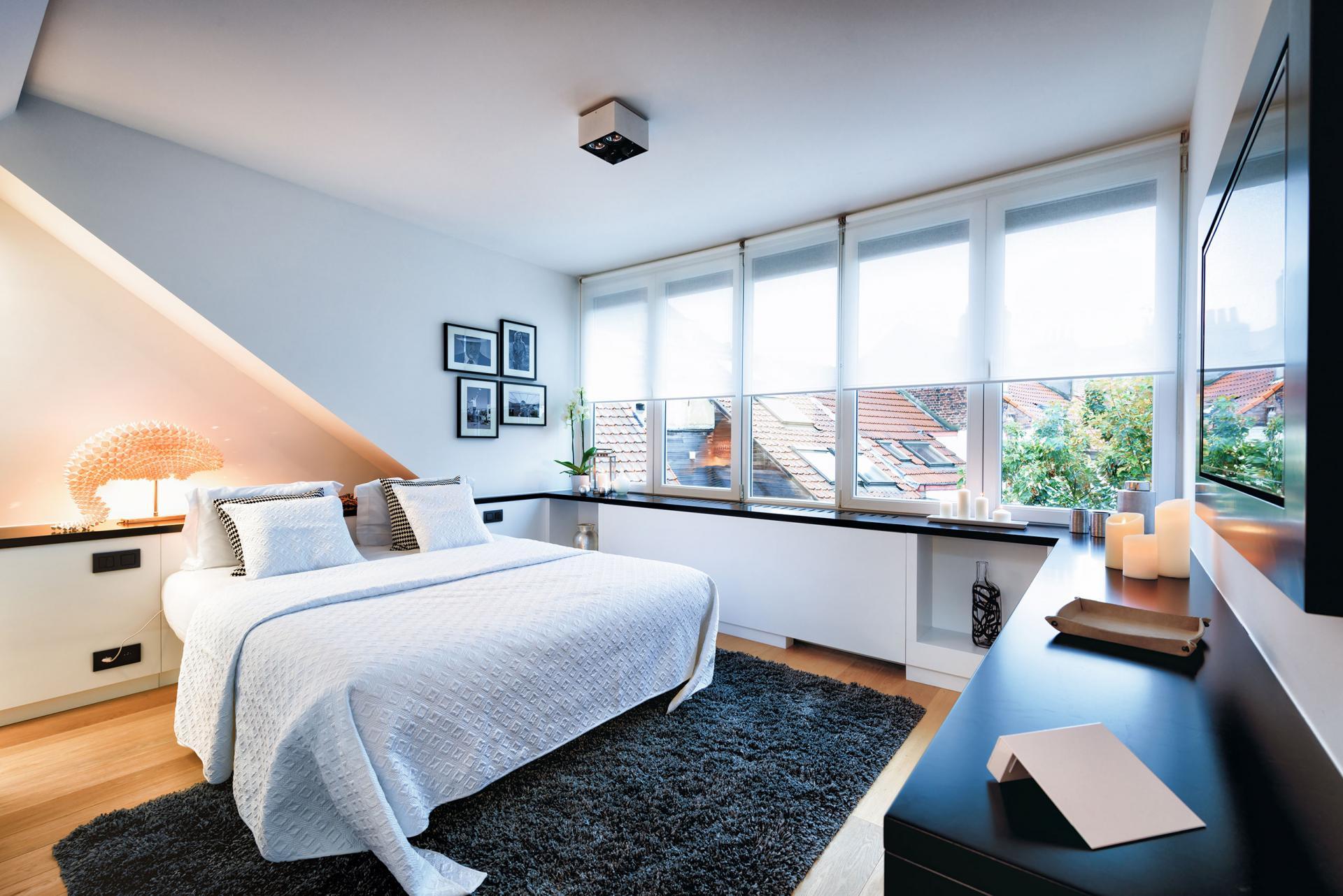 Bedroom window at Amazone Charles Apartments - Citybase Apartments