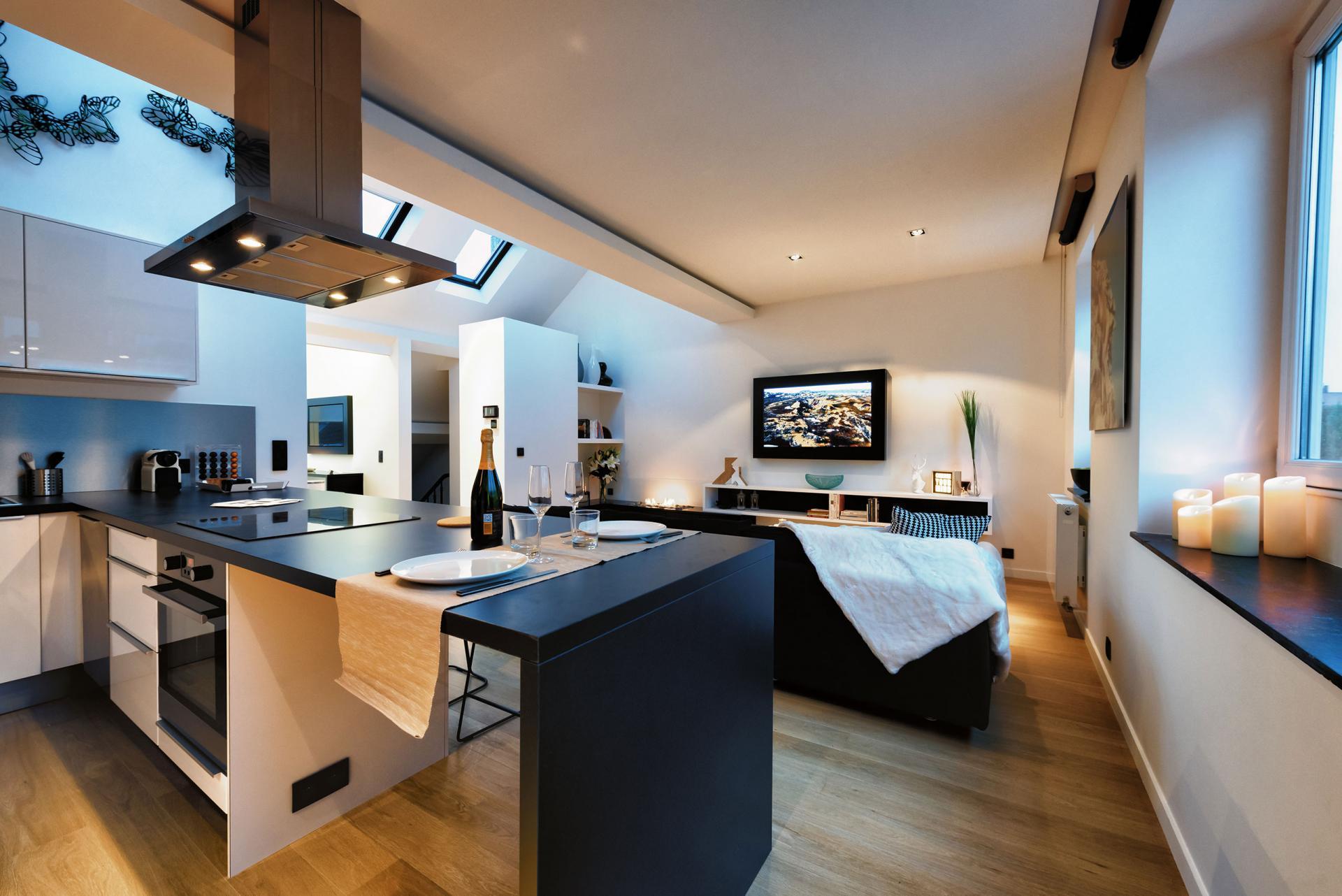 Kitchen facilities at Amazone Charles Apartments - Citybase Apartments