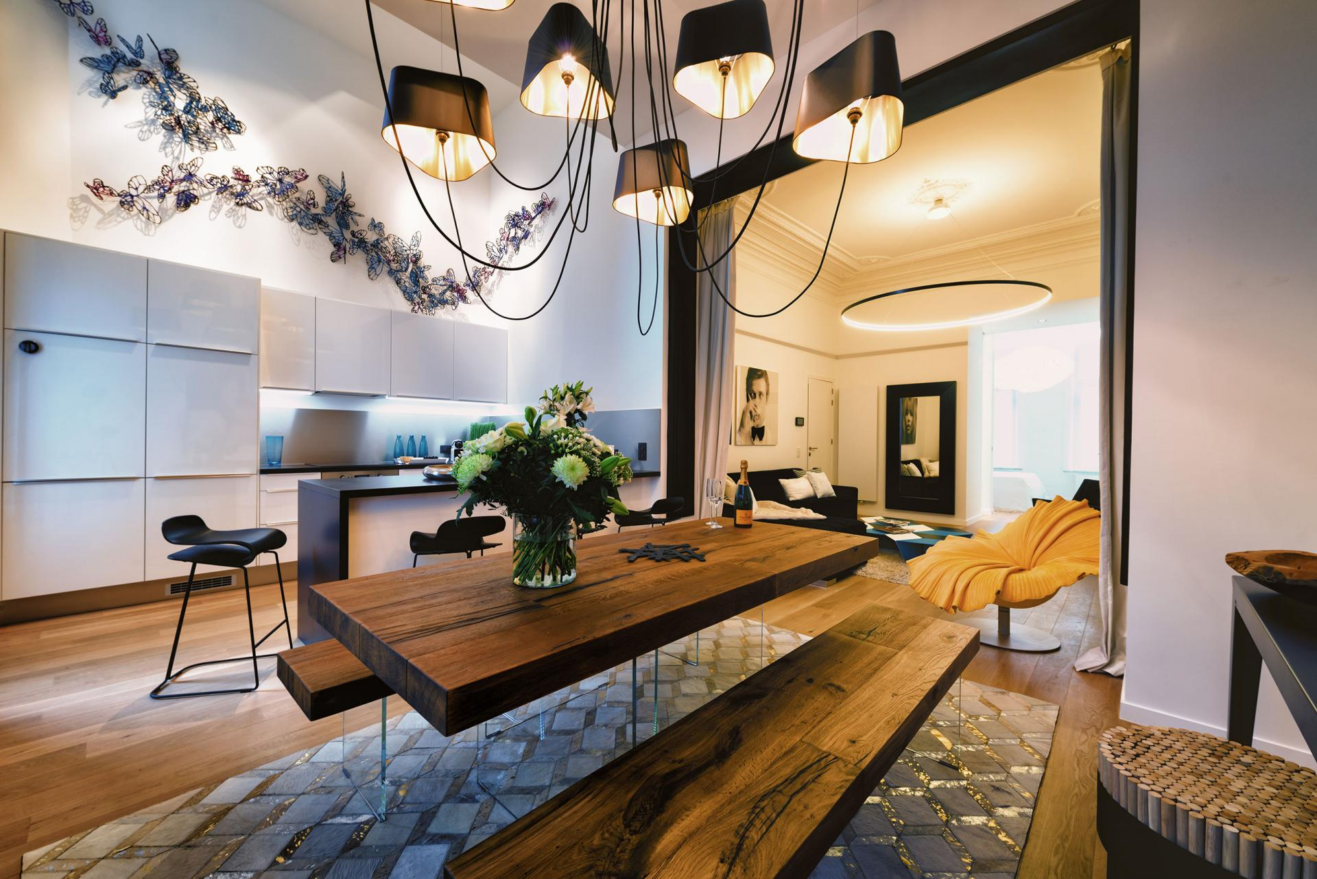 Dining area at Amazone Charles Apartments - Citybase Apartments