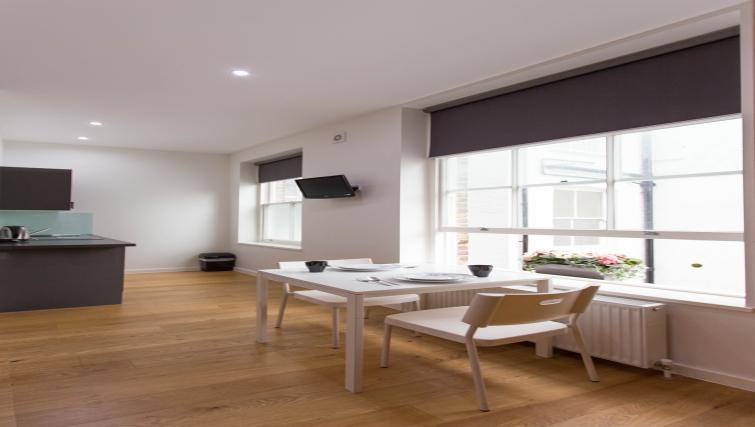 Double studio dining at Ladbroke Studios and Apartments - Citybase Apartments