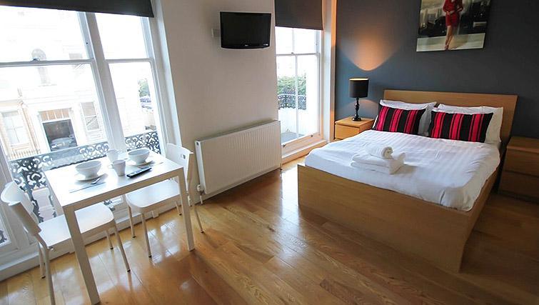 Open plan studio at Ladbroke Studios and Apartments - Citybase Apartments