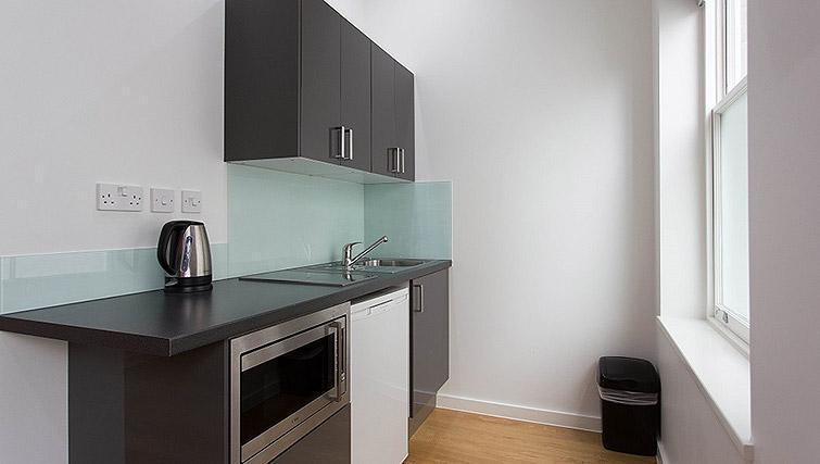 Studio kitchenette at Ladbroke Studios and Apartments - Citybase Apartments