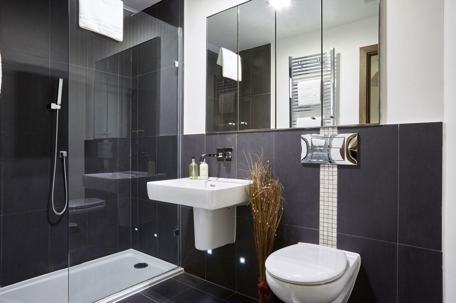 Bathroom at Kings Island Serviced Apartments - Citybase Apartments
