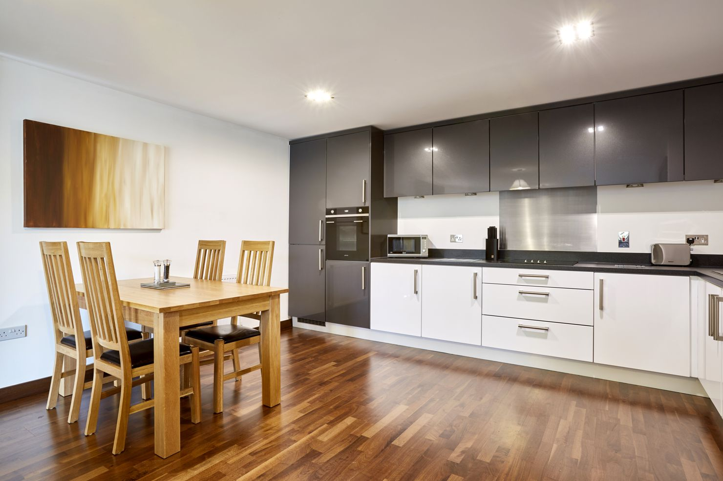 Dining area at Kings Island Serviced Apartments - Citybase Apartments