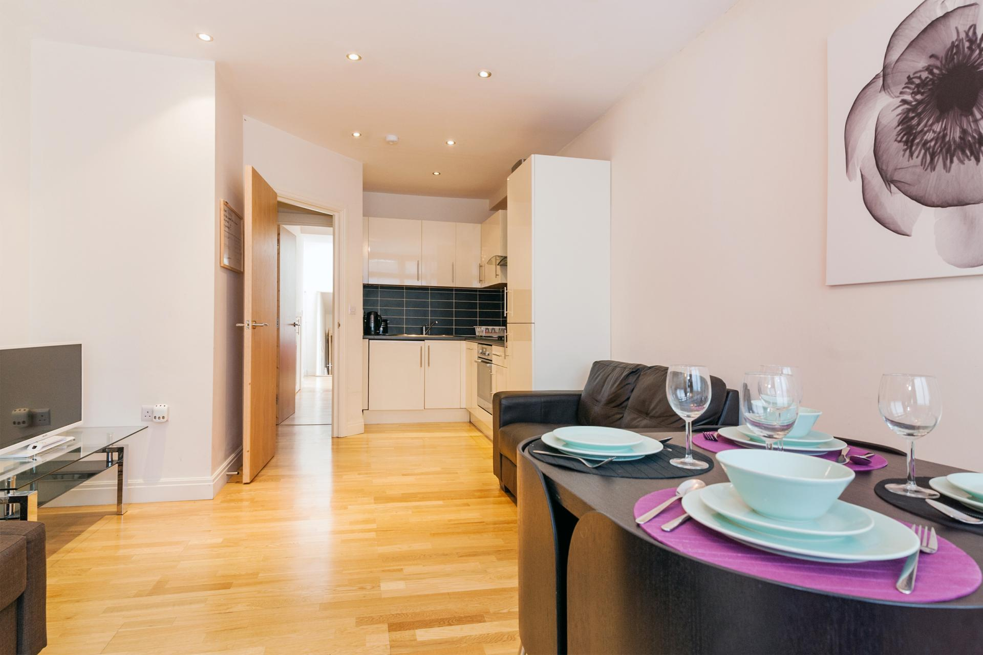Dining area at Angel Serviced Apartments - Citybase Apartments