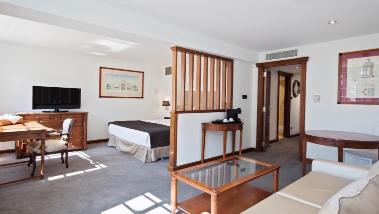 Double room at Melia White House Apartments - Citybase Apartments