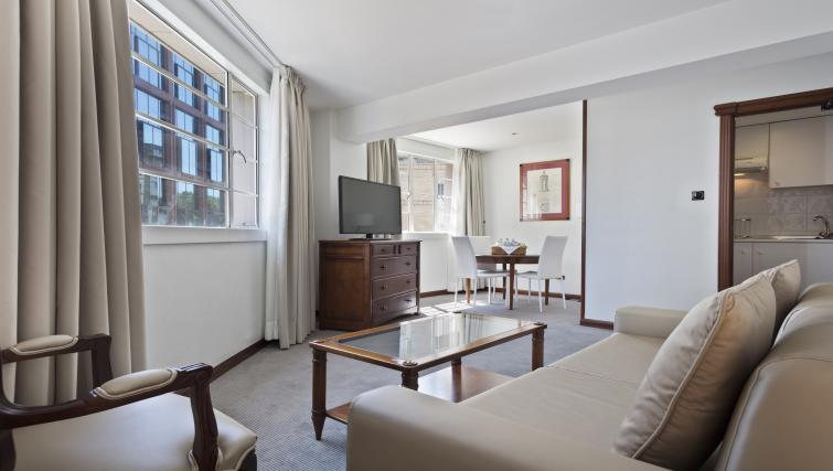 Living room at Melia White House Apartments - Citybase Apartments