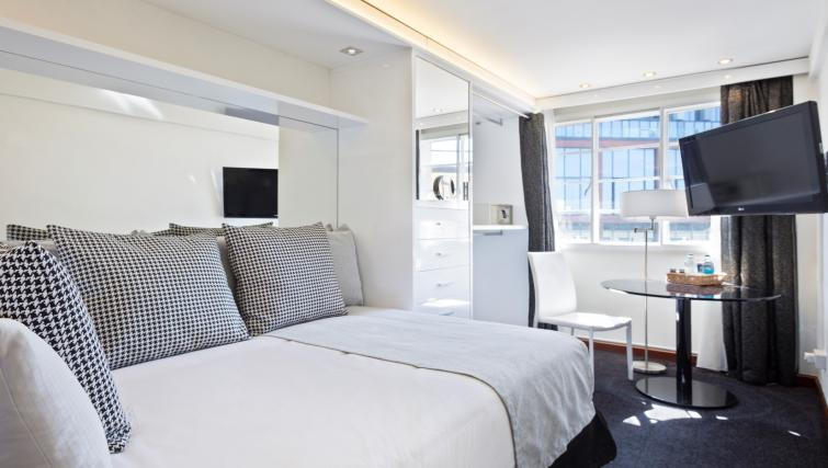 2nd bedroom at Melia White House Apartments - Citybase Apartments