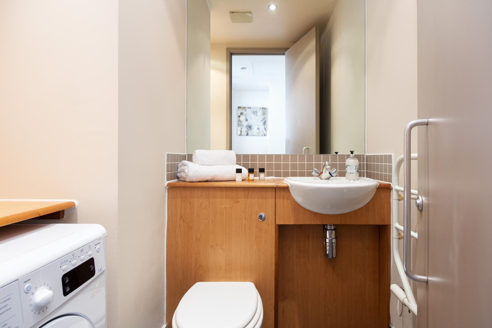 Bathroom at Lawrence House Serviced Apartments, Old Street, London - Citybase Apartments