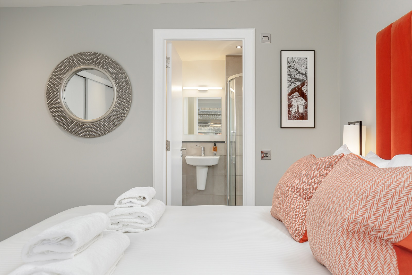 En-suite at Hanover Serviced Apartments - Citybase Apartments