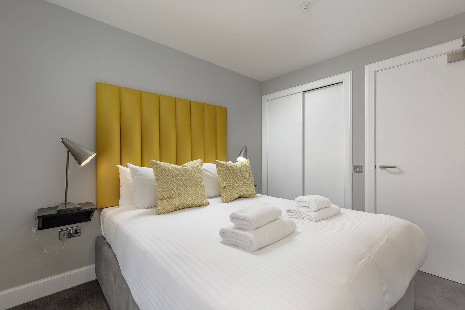 Spacious bed at Hanover Serviced Apartments - Citybase Apartments