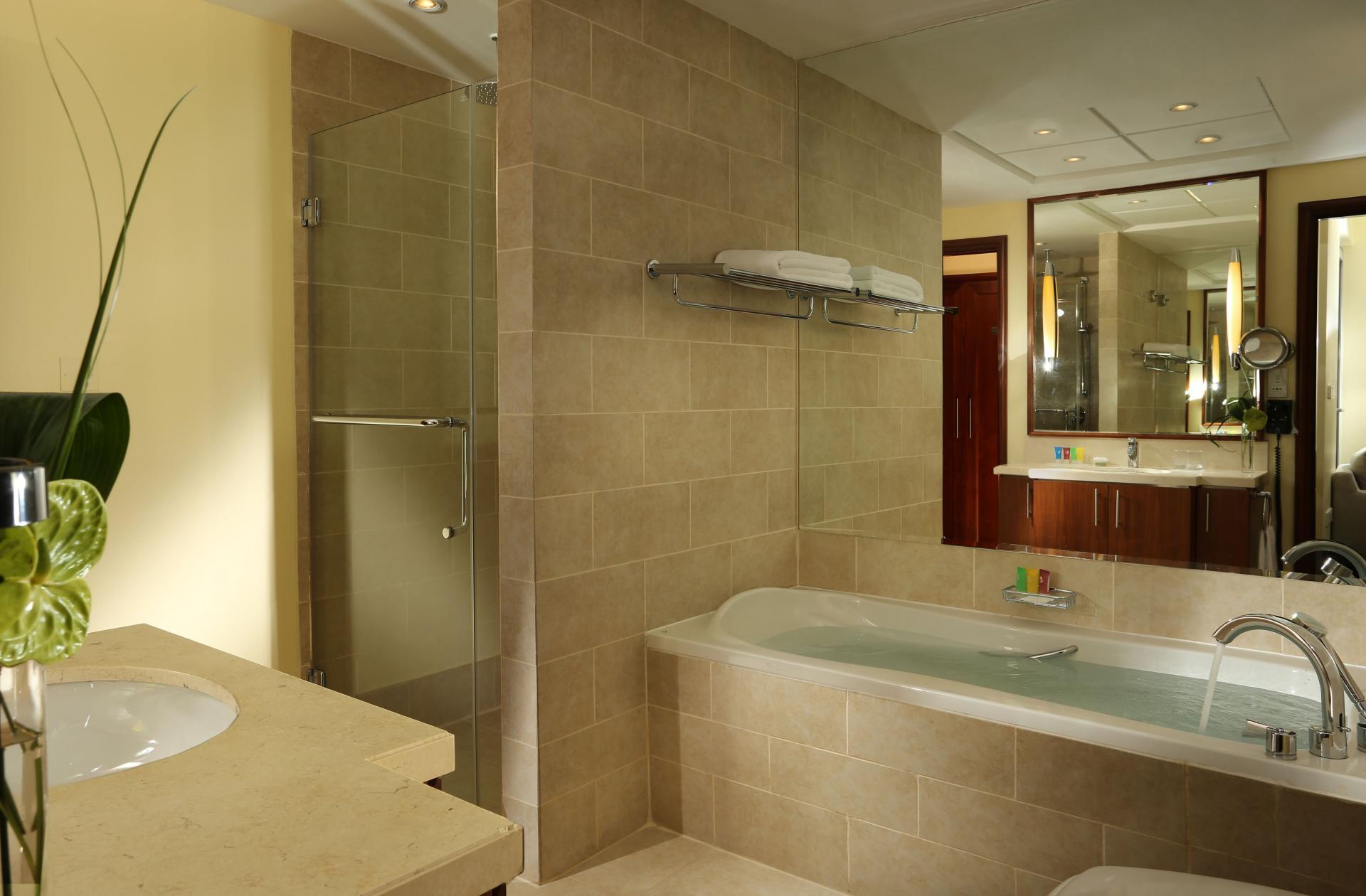 Bath Ramada at Downtown Dubai Apartments - Citybase Apartments