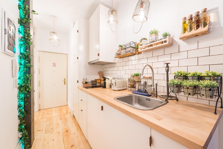 Kitchen worktop at Atocha Nest Apartment - Citybase Apartments