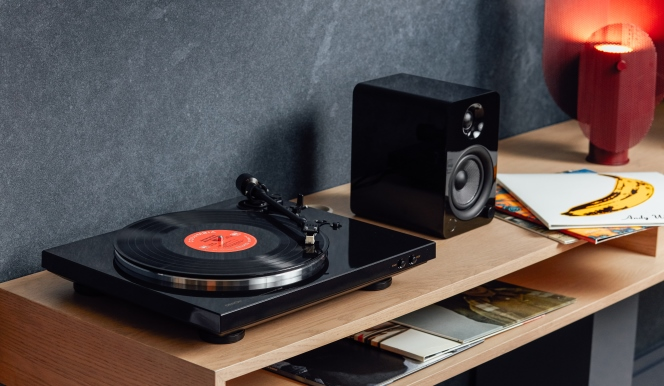 Record player at 70 Pine Street Apartments - Citybase Apartments