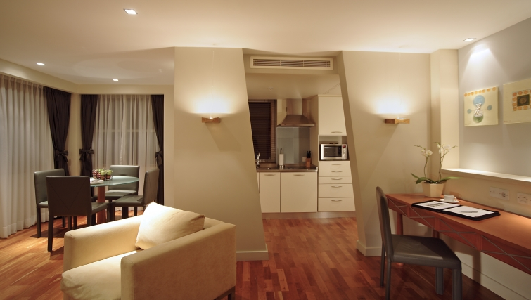 Outstanding kitchen in Park Plaza Victoria - Citybase Apartments