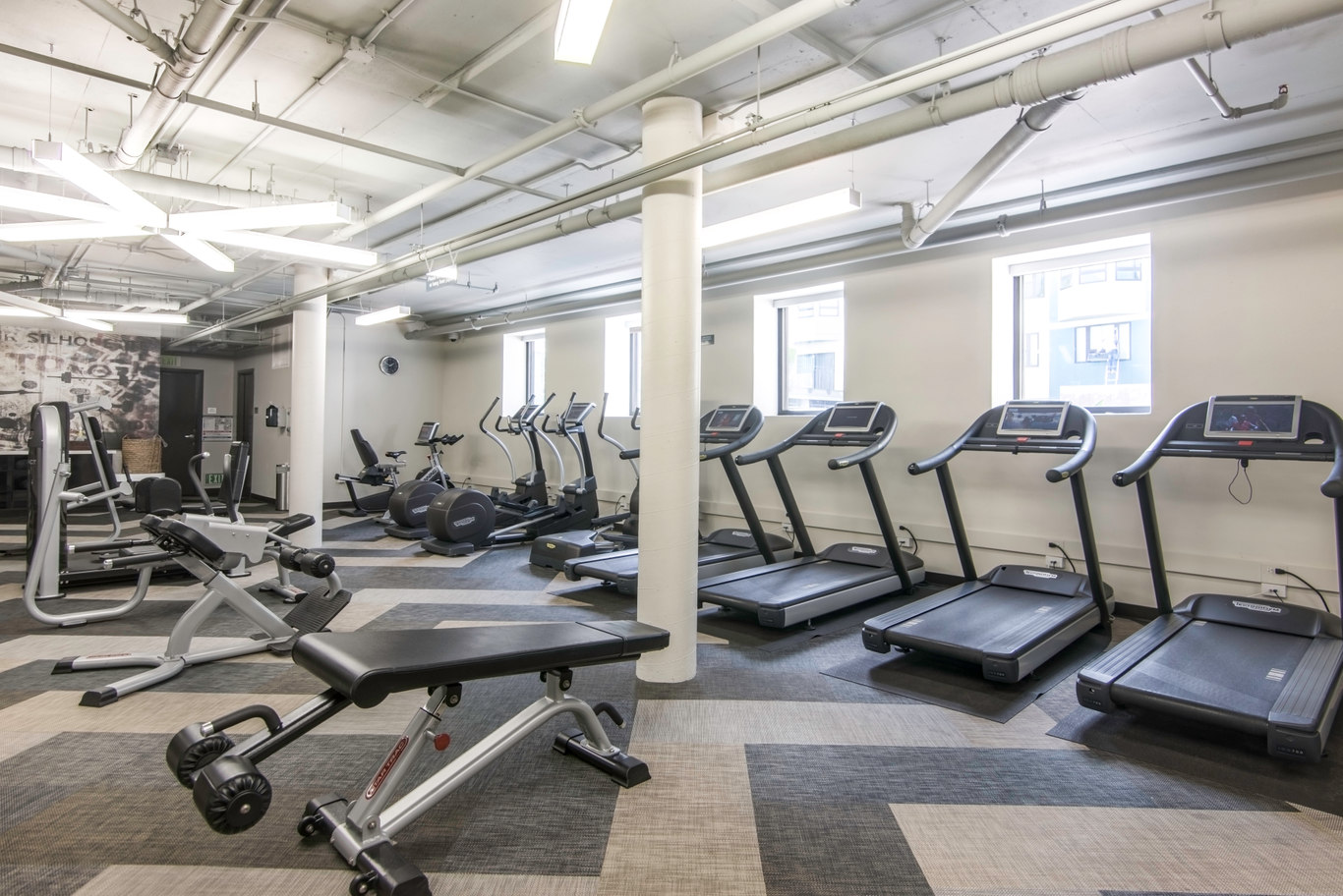 Gym at 2000 Post Street Apartments - Citybase Apartments