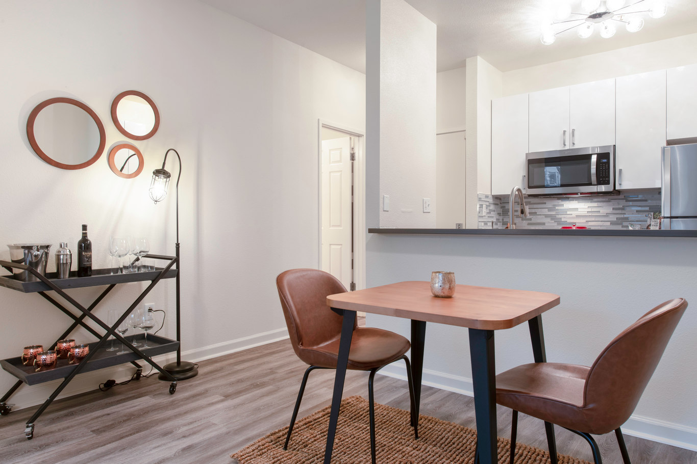 Dining table at 2000 Post Street Apartments - Citybase Apartments