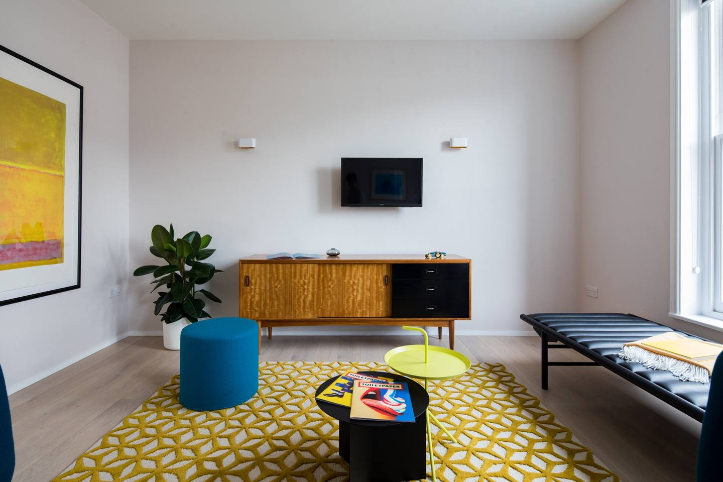 TV at The Charterhouse Apartments - Citybase Apartments