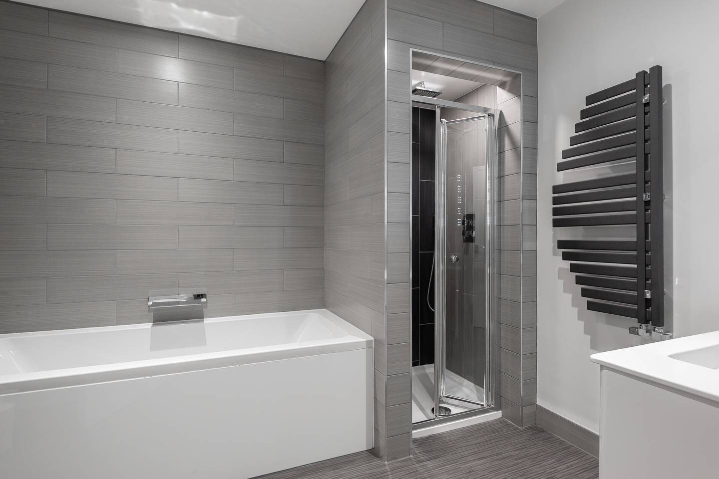 Shower at Leicester Square Apartments - Citybase Apartments