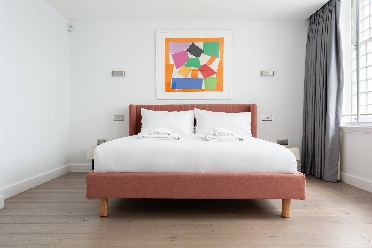 Double bed at Leicester Square Apartments - Citybase Apartments