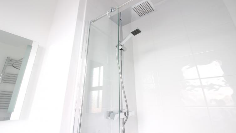 Shower at William's Sheffield City Centre Apartments - Citybase Apartments