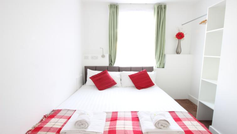 Bed at William's Sheffield City Centre Apartments - Citybase Apartments