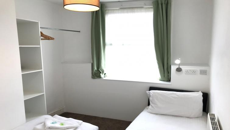 single bed at William's Sheffield City Centre Apartments - Citybase Apartments