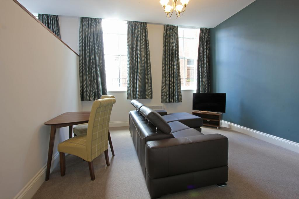 Living room at 3 Union Court Apartments - Citybase Apartments