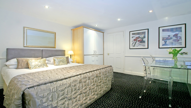 Sensational bedroom at Collingham Serviced Apartments - Citybase Apartments