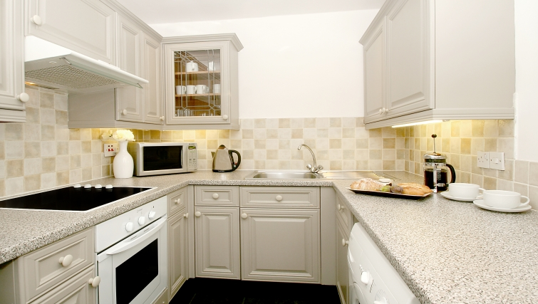 Well equipped kitchen at Collingham Serviced Apartments - Citybase Apartments