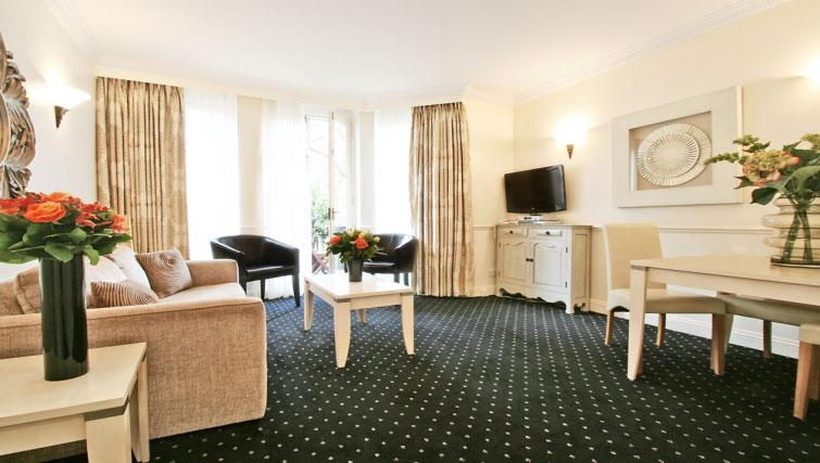 Gorgeous living area at Collingham Serviced Apartments - Citybase Apartments