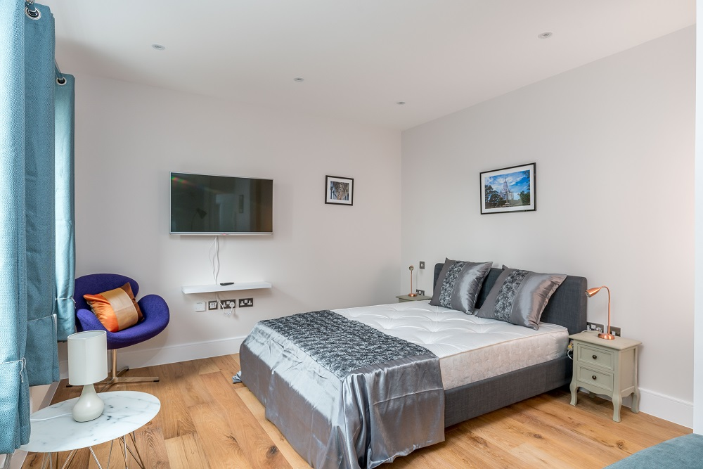 Double bed at Finchley Road Apartments - Citybase Apartments