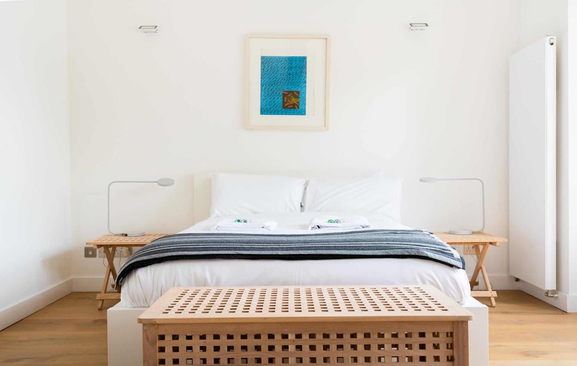 Double bed at The Oxford Gardens, White City, London - Citybase Apartments