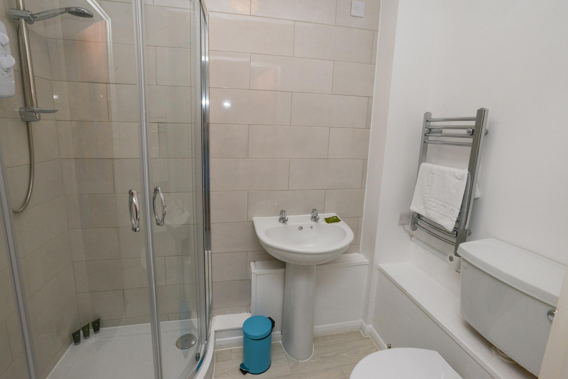 Shower at Brook Court Apartment, Radford, Nottingham - Citybase Apartments