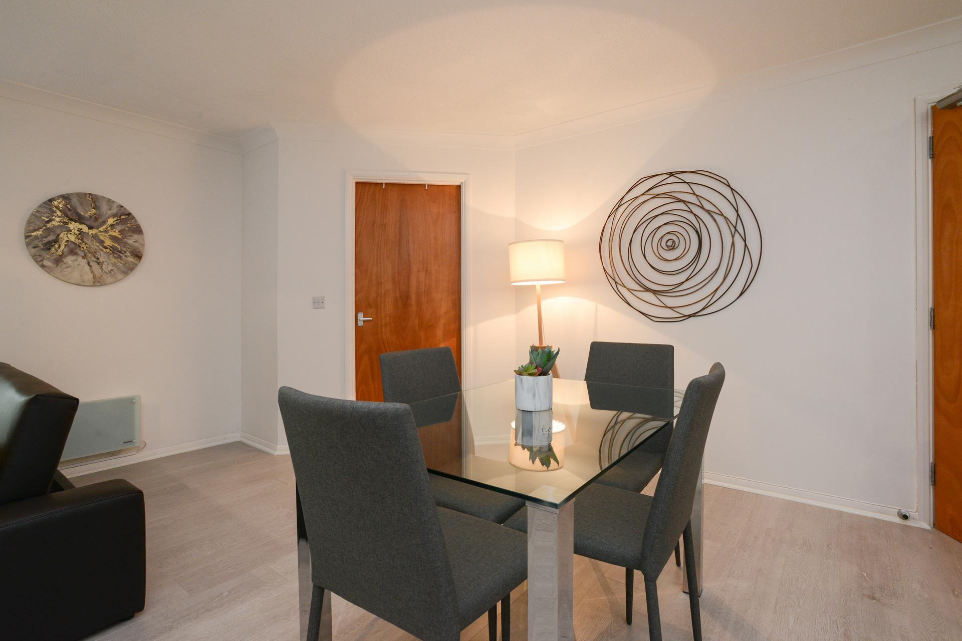 Dining area at Brook Court Apartment, Radford, Nottingham - Citybase Apartments