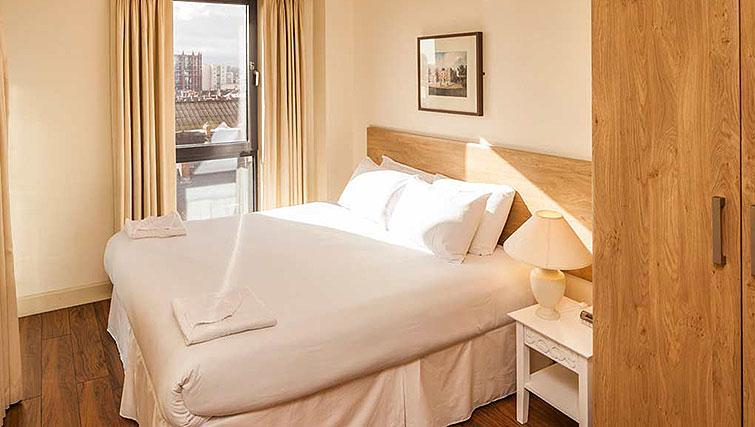 Double bedroom at South Dock Apartments - Citybase Apartments