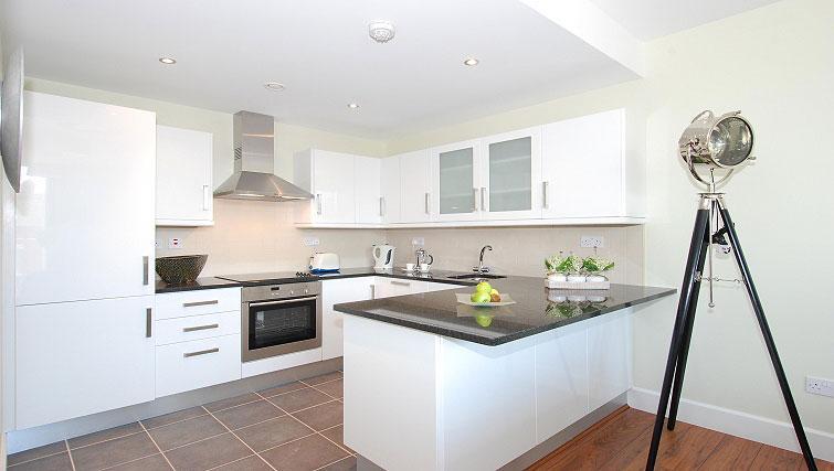 Modern kitchen at South Dock Apartments - Citybase Apartments