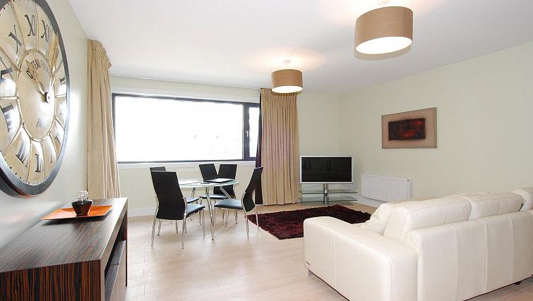Living area in South Dock Apartments - Citybase Apartments