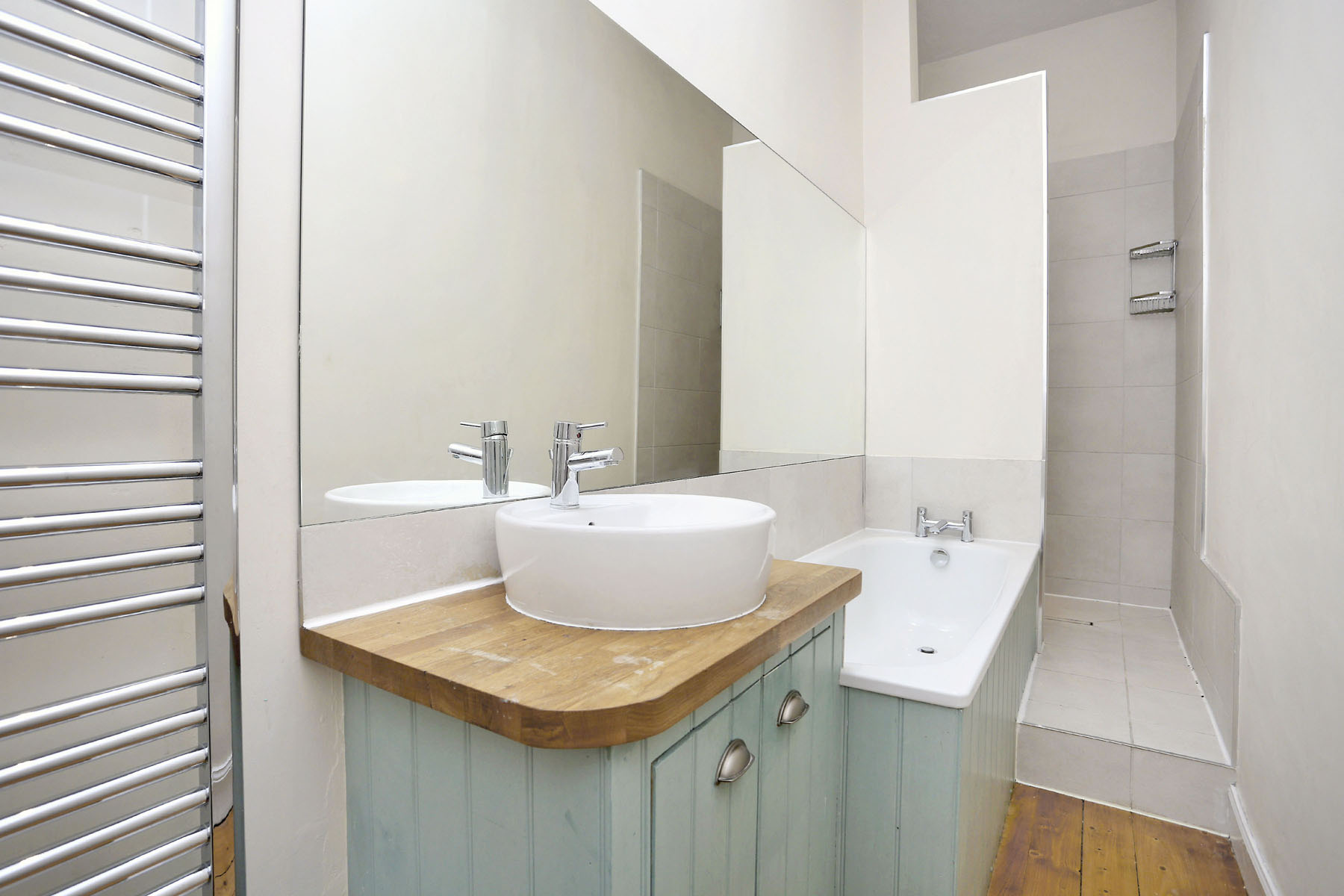 Bathroom at The New Town Apartment, Bonnington, Edinburgh - Citybase Apartments