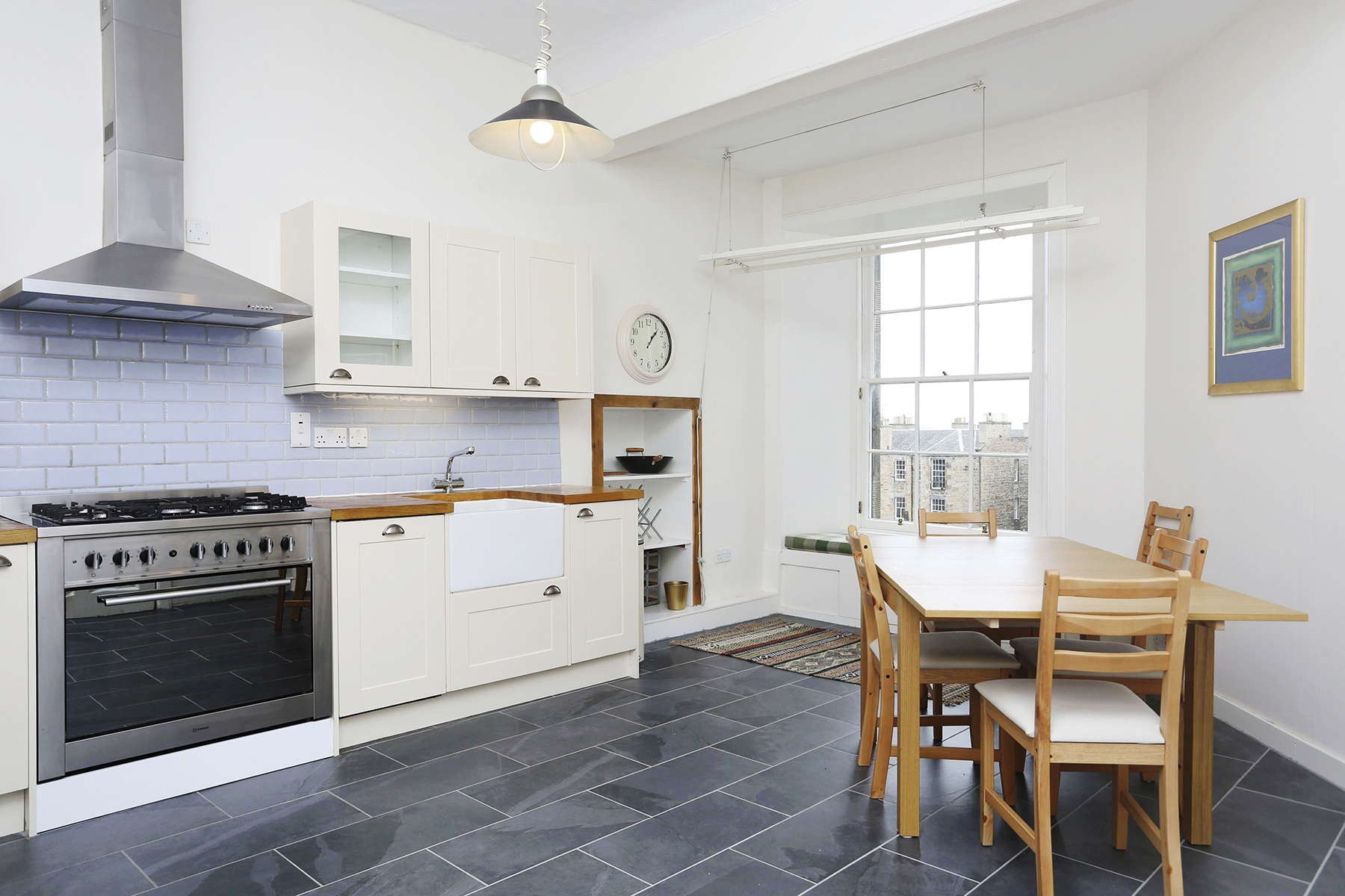 Kitchen diner at The New Town Apartment, Bonnington, Edinburgh - Citybase Apartments