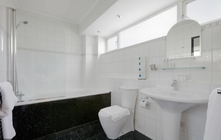 Bathroom at Marble Arch - Citybase Apartments
