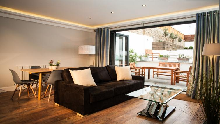 Living area at Hammersmith Town Apartments - Citybase Apartments